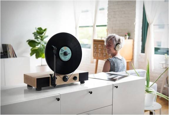 4538_1438726952_floating-record-vertical-turntable-8.jpg - - Imagem - 8