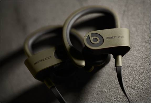 HEADPHONE BLUETOOTH UNDFTD X BEATS POWERBEATS 2 - Imagem - 2